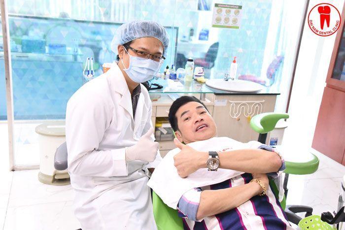 Diễn viên Quang Minh làm răng tại Nha khoa Sài Gòn